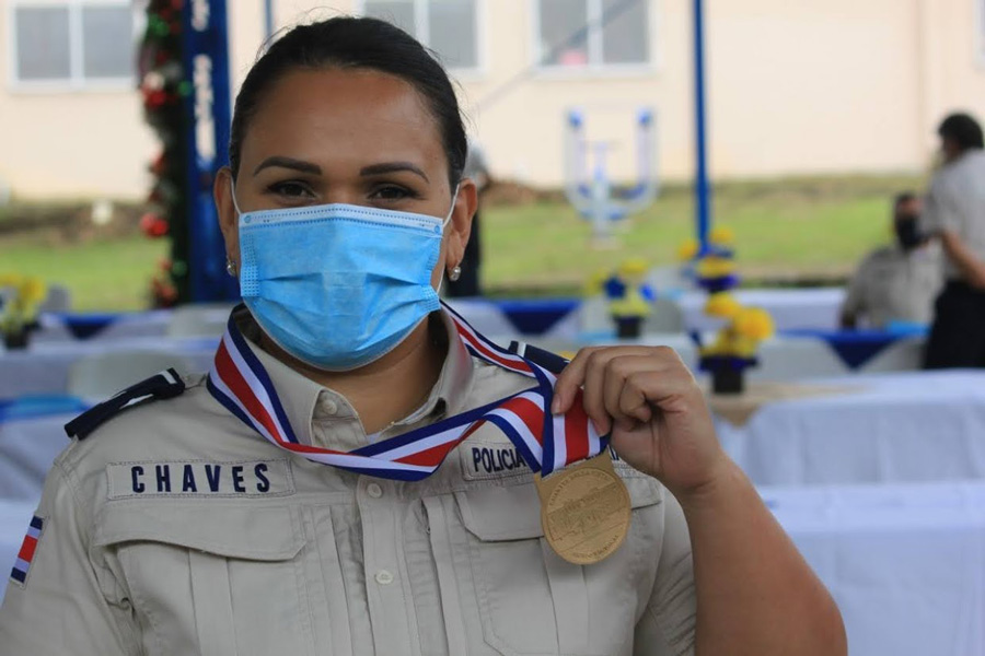 Prison Police representative of Costa Rica with medal